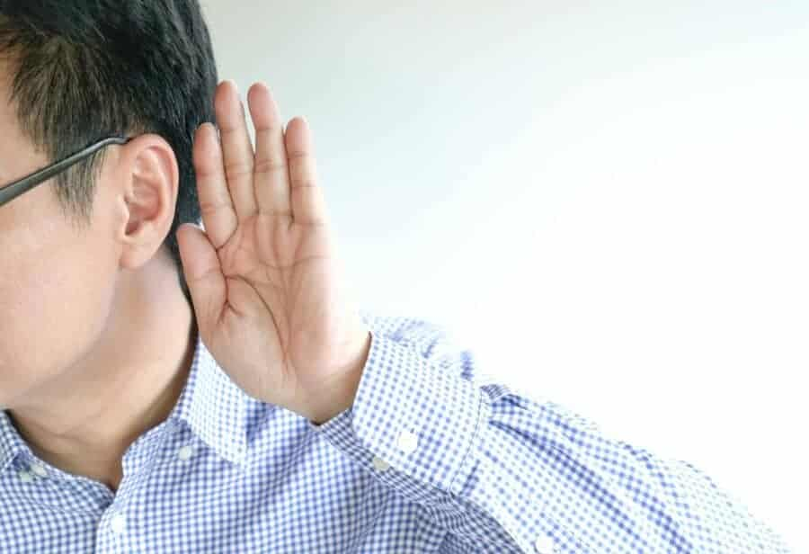 How to Use a Listening Mindset to Strengthen Your Relationships